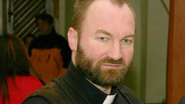 Erik Tvrdoň působil jako farní vikář na havlíčkobrodském děkanství.