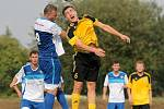 Nejlepším střelcem Ždírce byl v postupové sezoně středopolař Kamil Štukhejl (ve žlutém), který měl společně se svým spoluhráčem Pavlem Novotným po sedmi gólech.
