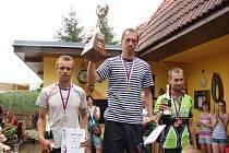 Zlato bral Pod Melechovem Michal Málek (uprostřed), který po pěti letech vystřídal na nejvyšším stupínku Václava Holuba. Na druhém místě skončil J. Juřička (vlevo) ze Štoků a třetí byl O. Sedláček z Českých Budějovic.