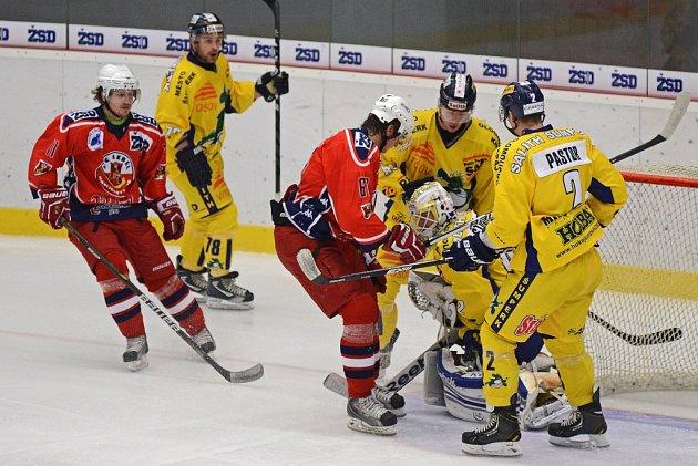 Z hokejového utkání Havl. Brod - Šumperk.