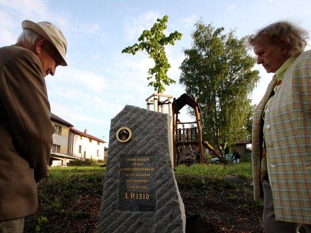 Mírovka slavila 700 let od svého založení. Bývalý starosta Jaroslav Hejkal přijel na oslavy z Prahy i se svou manželkou Drahomírou.