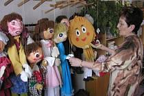 Už čtyřicet let uplynulo od doby, kdy děti ve školní družině v Přibyslavi sehrály první divadelní představení v kulturním domě.  Ilustrační foto: