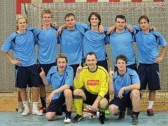 Radost si po finálovém boji užívali fotbalisté Ledče, kteří vyhráli 3:2.