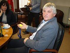 Broďák Pavel Loužecký je mistrem Evropy v bezmotorovém létání 2017. Na kontě má i desítky dalších úspěchů. Letos se chystá na mistrovství světa do Polska.