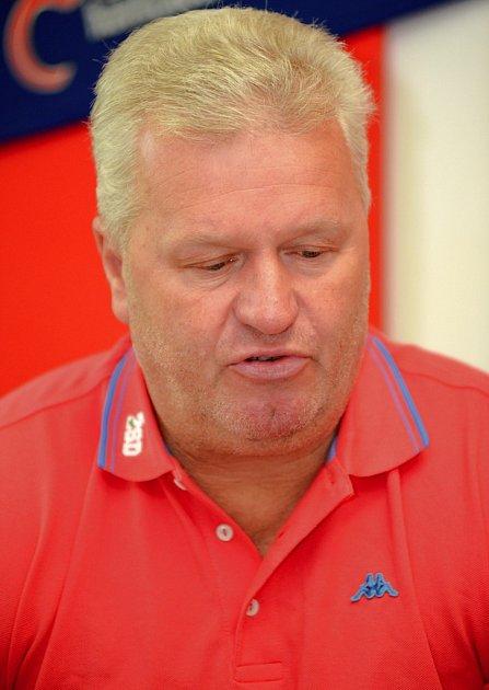 Pomluvy. Proti nim se ohradil Augustin Žák (na snímku), který vykonával sedm let sportovního manažera brodského hokejového klubu.