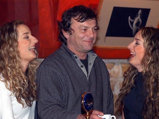 Autor, herec i režisér. Pavel Trávníček je spoluautorem komedie Zase ta sborovna, režíroval ji a hraje v ní. Foto: