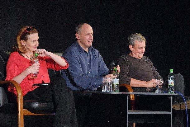 Jan Kraus nedávno perlil v Čechovce. Skvěle mu sekundovali Eva Holubová a Richard Tesařík.