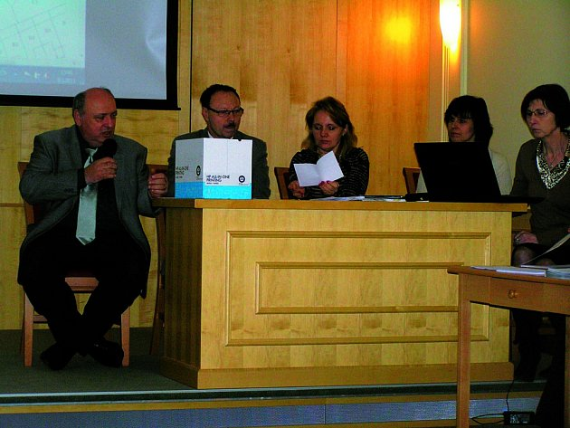 Nad poctivostí dražby v Chotěboři bděla komise složená ze zástupců města.