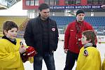Trenér Slavie Praha a české hokejové reprezentace Vladimír Růžička absolvoval návštěvu havlíčkobrodské Kotliny, kde nejen rozdal autogramy mladým brodským hokejistům, ale poté i zhodnotil vzájemnou sportovní spolupráci mezi Slavií a HC Rebel.