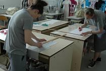 Písemné a praktické zkoušky z učebních oborů ve světelské věznici.
