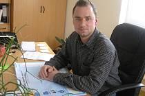 První rok má za sebou Miroslav Uchytil ve funkci ředitele Technických a lesních služeb Chotěboř (Teles). Z příspěvkové organizace se stala společnost s ručením omezeným, která snad poprvé za dobu existence technických služeb začala vydělávat.