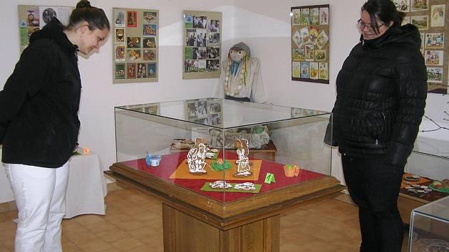 O nejhezčí velikonoční perníčky soutěží v Přibyslavi čtrnáct vystavovatelů.