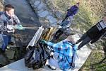 Žáci během úterního dopoledne nasbírali desítky pytlů plné odpadu.