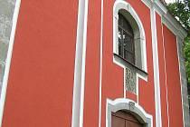 Část kostela sv. Petra a Pavla v Úsobí už září novotou.