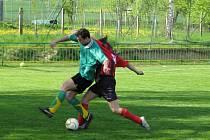Fotbalisté Tisu (v zeleném) se trápí, v posledních třech kolech nezískali ani bod.