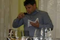 Zakončení kurzu nemělo pouze formu teoretických znalostí, ale absolventi musel dokázat víno odprezentovat.  Kurz nakonec úspěšně zakončili všichni účastníci.