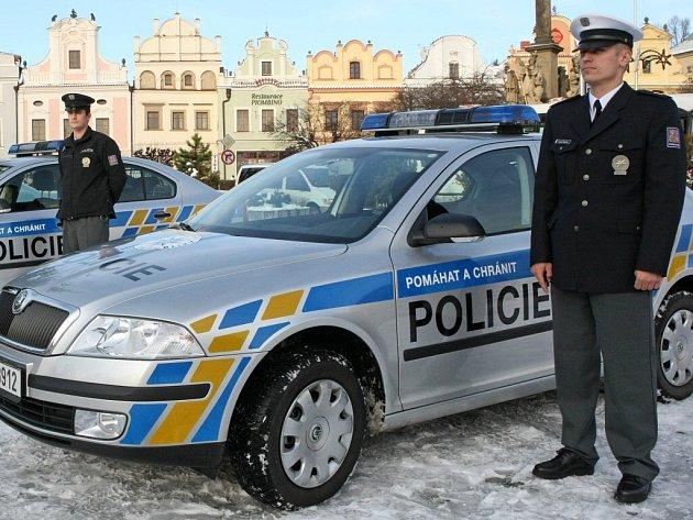 Havlíčkobrodská policie veřejnosti představila nová služební vozidla značky Škoda Octavia. Okresní ředitelství dostalo k dispozici celkem sedm aut.