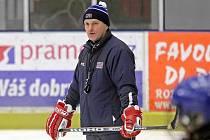 Tvrdá práce s mládeží. To je podle Roberta Reichela (na snímku) jediná cesta, aby se český hokej dostal tam, kde byl dříve. Zatím je podle Reichela mezinárodní hokej někde jinde.