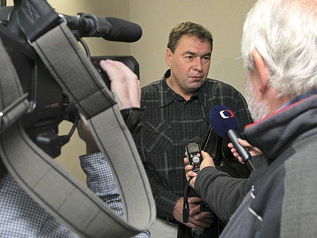 Bývalý lipnický starosta Ladislav Horký čelí závažnému obvinění ze zneužití obecních peněz. Podle svých slov chtěl jen pomoci Lipnici. Archivní foto: