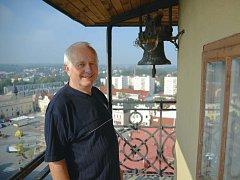 """Dnes už Jaroslav Grodl na bydlení ve věži jen vzpomíná. """"Měli jsme i zvířectvo,"""" říká s úsměvem."""