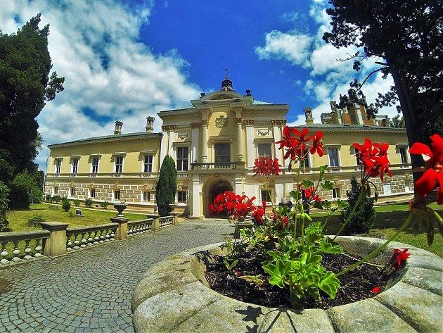 V sobotu se na zámku ve Světlé nad Sázavou uskutečnil druhý zámecký den, tentokráte věnovaný oslavám 700. výročí narození našeho Otce vlasti, císaře a krále Karla IV. Ilustrační foto.