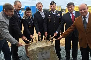 Ve Světlé nad Sázavou byla ve středu slavnostně zahájena stavba nové výrobní haly.