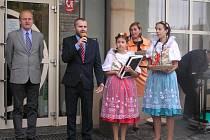 Tradiční podzimní slavnosti ovoce, zeleniny, medu a brambor se uskutečnily o víkendu v Přibyslavi. Pořadatelem je městský úřad Přibyslav a místní spolky.