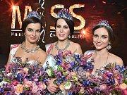 Lucie Léblová z České Bělé získala titul I. vícemiss v soutěži Miss Hasička ČeskoSlovensko 2017 (na snímku vlevo).