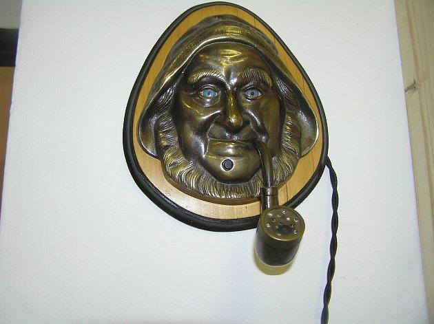 Výstava zapalovačů M. J. Šneka je kvidění vKurfürstrově domě.
