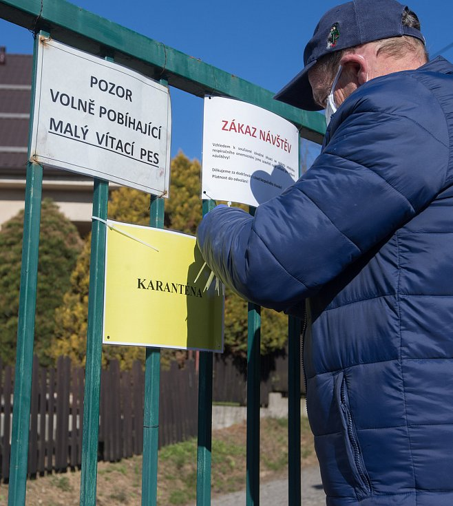 Nejmasivnější vzestup počtu nemocných Vysočina zaznamenala o posledním březnovém víkendu. Za nárůst téměř o pět desítek mohla především rozsáhlá nákaza v domově pro seniory v Břevnici u Havlíčkova Brodu.