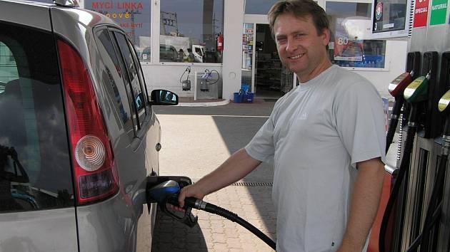 Kde je nejlevnější benzín? Ilustrační foto.
