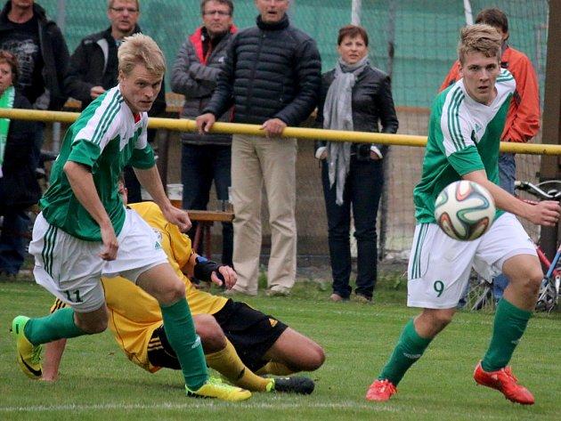 Možnost farmy na Havlíčkobrodsku využíval například ždírecký Tatran s Havlíčkovou Borovou. Ždírecký útočník Pavel Klimeš (vlevo) oblékal na podzim dres obou týmů. Toto už od sezony 2016/17 nebude možné.