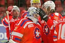 Třebíči to letos proti Dukle mimořádně jde. Další výhru jim pomohl čistým kontem vychytat zlínský host Libor Kašík, který lapil všech třiatřicet střel jihlavských hokejistů.