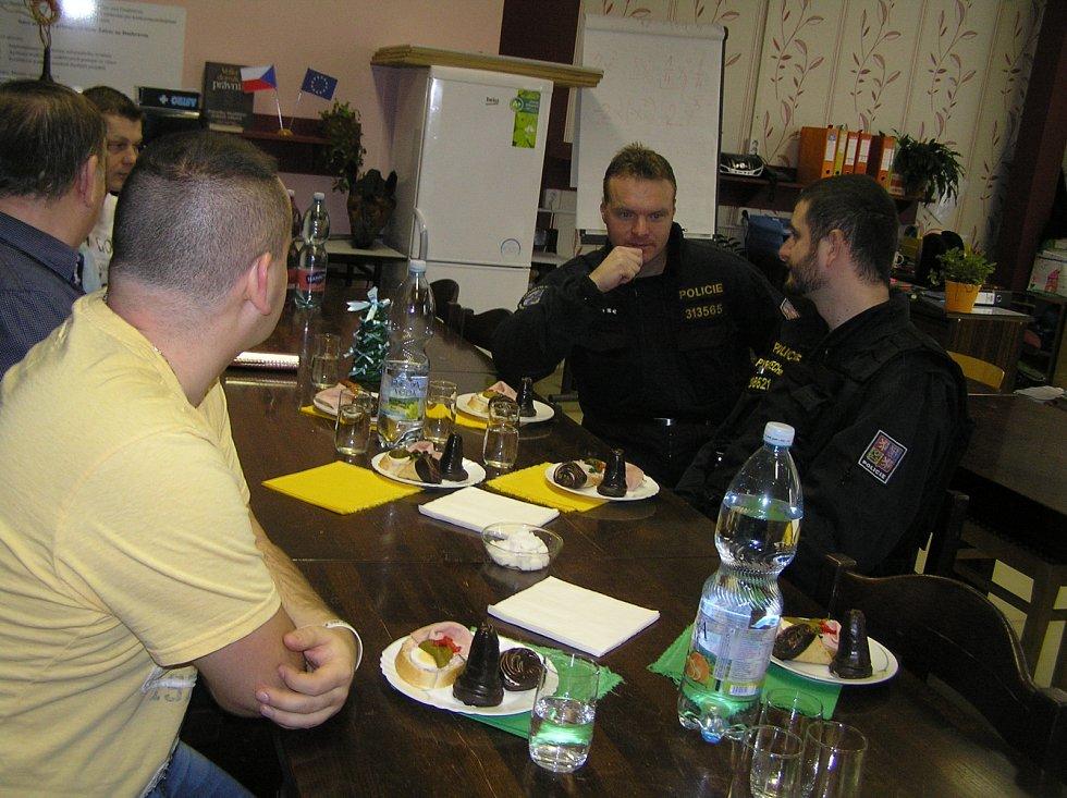 Před vánočními prázdninami se ve škole ve Ždírci sešli zástupci různých profesí.