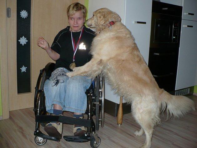 Barbora Čelanská a pes Kačka.
