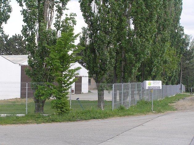Peletárna v Golčově Jeníkově.