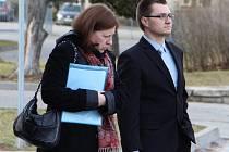 Hanu Bartošovou a Pavla Vlachého (oba na snímku) obžalovala matka ročního chlapce, který na následky rotavirové infekce zemřel. Jak včera ale u soudu upozornila znalkyně z oboru, jde o nebezpečnou infekci, na kterou ročně v Česku zemře několik dětí.