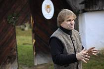 """""""Z ptačí chřipky strach nemám,"""" říká soukromý zemědělec Jindřich Holub z Pohledi na Havlíčkobrodsku."""