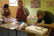 Stacionář Úsvit, pečující o mentálně postižené klienty, nabídne na veletrhu Zahrada výrobky z výtvarné, keramické, tkalcovské a šicí dílny. Jde o kvalitní výrobky, které jdou dobře na odbyt.