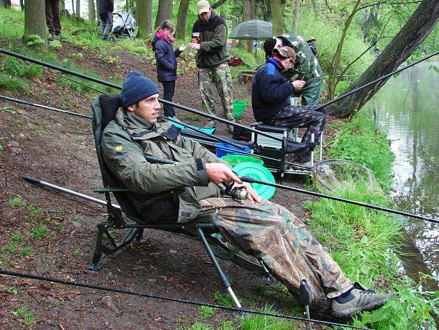 Tradiční závody do Světlé nad Sázavou opětovně přilákaly rybáře z mnoha míst celé republiky.
