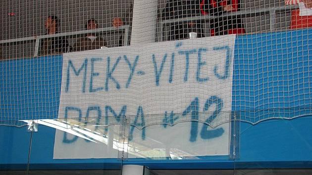 K premiéře v nové světelské hale si domácí pozvali druholigový oddíl Trutnova, který trénuje odchovanec brodské Kotliny, hokejový internacionál Stanislav Mečiar.