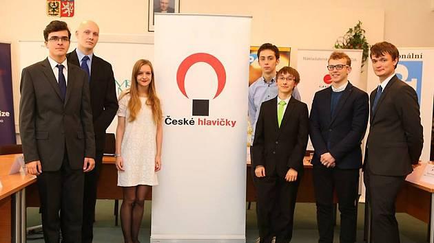 Brněnské SONO Centrum se dne 19.10. stalo podruhé dějištěm slavnostního předávání cen již 9. ročníku České hlavičky. Na tiskové konferenci se vítězové všech šesti kategorií, včetně Vlastimila Rasochy (druhý zprava), představili veřejnosti.