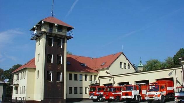 Opuštěná stanice profesionálních hasičů v Brodě se stane majetkem státu, který ji může nabídnout dalším zájemcům.