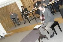 Epigramy zněly sálem Staré radnice
