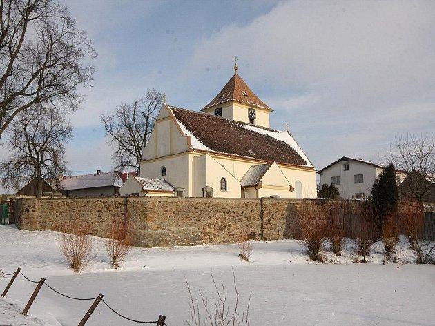 Až ze čtrnáctého století pochází kostel sv. Michala v Žižkově Poli, dříve Šenfeldu nebo také Šunfeldu. Střídali se v něm protestanté s katolíky.