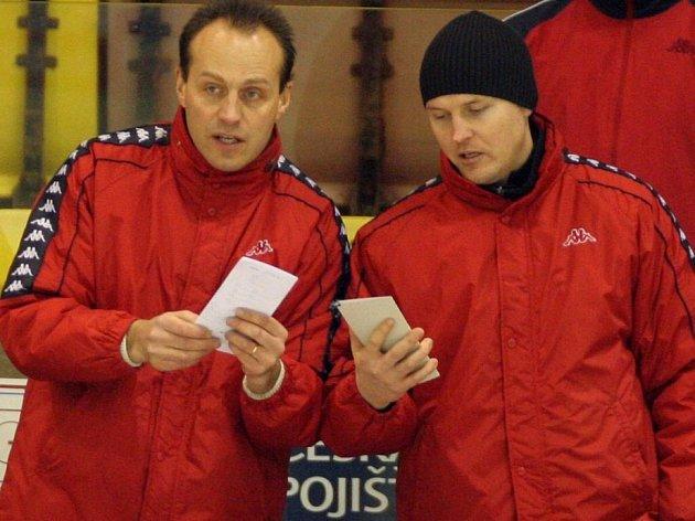 Jiří Čelanský (vpravo) zachycen ještě na lavičce brodských Rebelů.