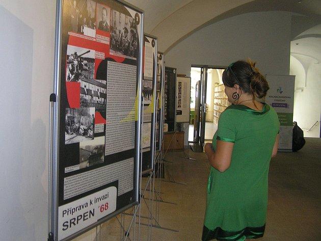 Výstava na Staré radnici připomíná srpnovou invazi.