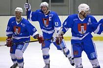 Šestkrát se v krajském derby radovali hokejisté Světlé (na snímku), kteří si s rivalem z Chotěboře poradili 6:2. O výsledku rozhodla podle světelského trenéra Jana Krajíčka čtvrtá branka na konci druhé třetiny z hole Šímy.