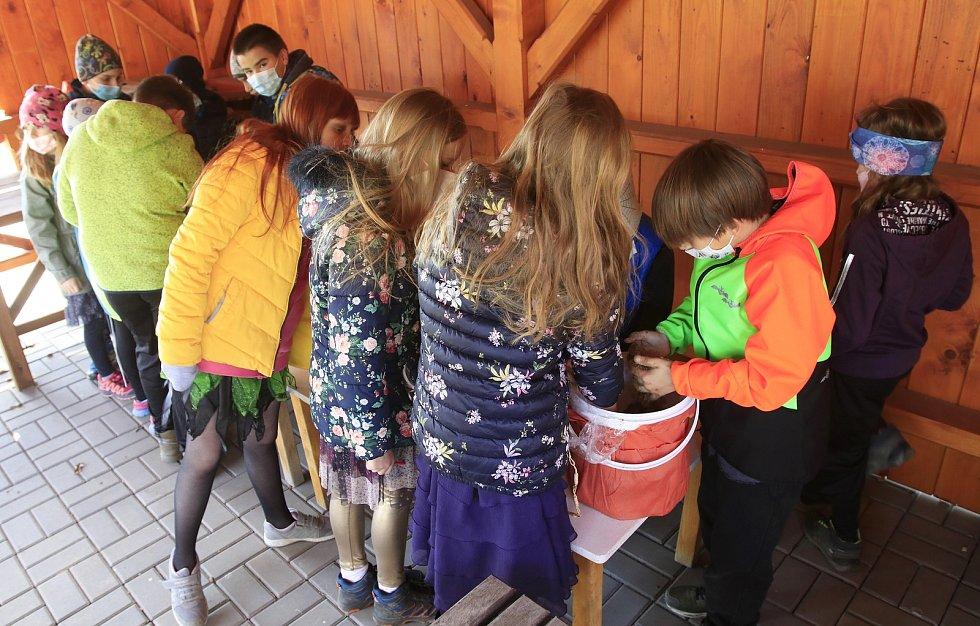 Čarodějnický projektový den na základní škole v Libici nad Doubravou.
