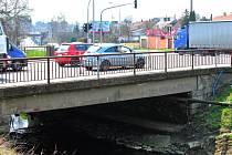 Most u křižovatky ÖMV.